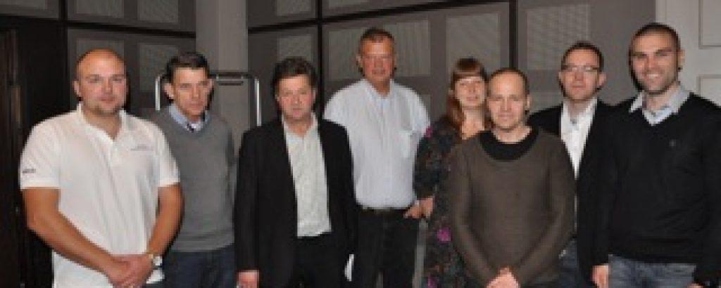 Geotecs styrelse. Från vänster Fredrik Ahlqvist, Jan Berglund, Björn Jonsson, Rolf Borrås, Gunilla Sverkersson, Charlie Isaksson, VD Johan Barth och David Johansson